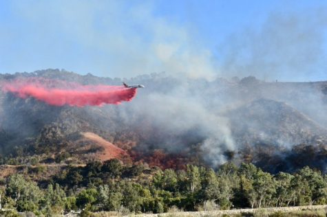 Fighter jets dropping retardant on the fire. Photo from: Ventura County Fire Department