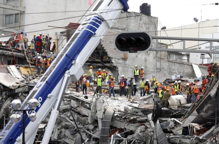 On+September+19%2C+Mexico+City+was+shook+with+a+magnitude+7.1+quake.+After+the+horrendous+event%2C+the+search+began+for+victims+among+the+wreckage.+Photo+by%3A+LA+Times