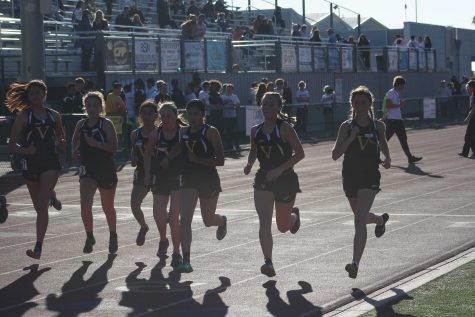 Ventura girls at the beginning of the 3200, Photo by: Diego Roberto