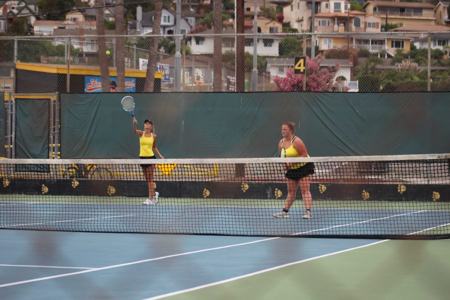 Girls tennis faces close loss to Dos Pueblos after tie score