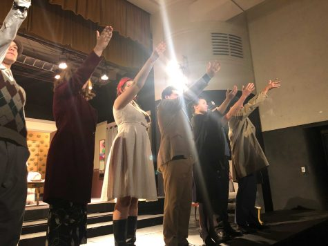Actors from left to right. Freshman Henry Oaks, junior Ashlynn Vaglica, junior Talia Walsh, senior Louis Santia, senior Bridget Boland, freshman Ryan Palmisano, and senior Max Quintal give there thanks to audience and crew at the end of the show on Wed. November seventh. Photo By: Sarah Clench