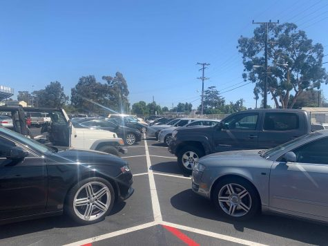 Student vehicles in the VHS parking lot. These cars belong to students who have gotten their licenses. Photo by: Greta Pankratz