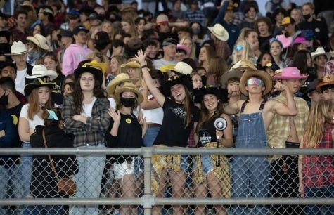 Howdy partner! VHS students got into their best cowboy attire to cheer on the football team on our Sep. 17 game. Photo by: Veronica Slavin