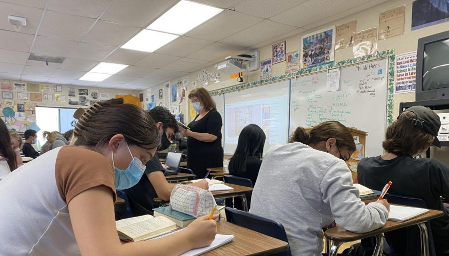 Ms. Withers English class that is really easy to follow along and learn from. A lot of students have spoken how much theyve enjoyed having her as a teacher. Photo by: Tyler Lopez